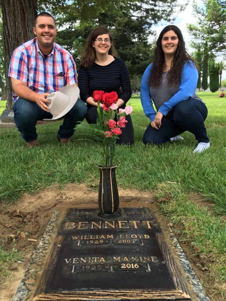 Lloyd bennett cemetery